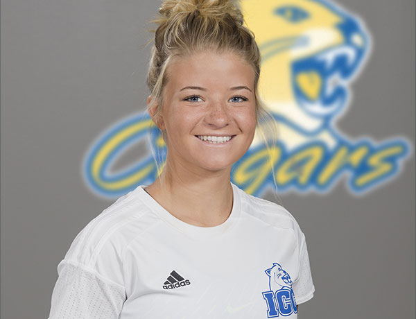 2017-2018 Women's Soccer Headshot of Savanna Fleeman